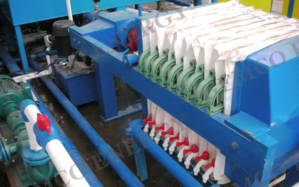 filtering part of the plate and frame oil filter press